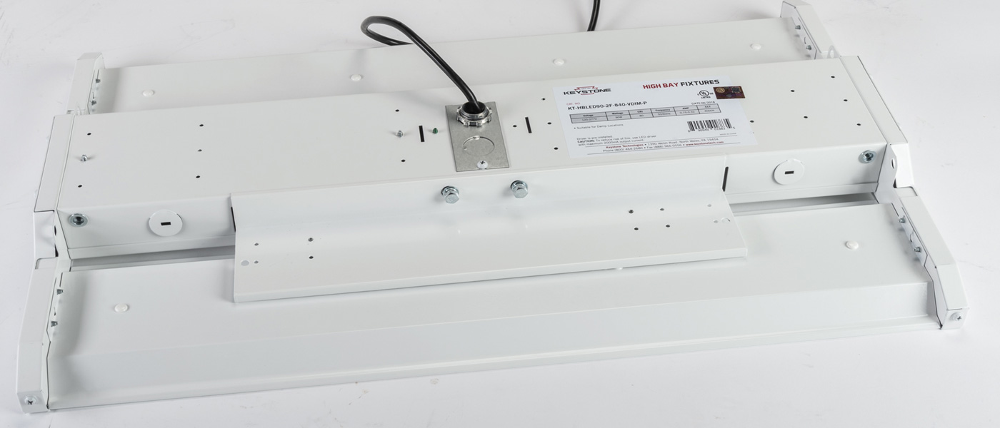 LED high bay with mounting bracket